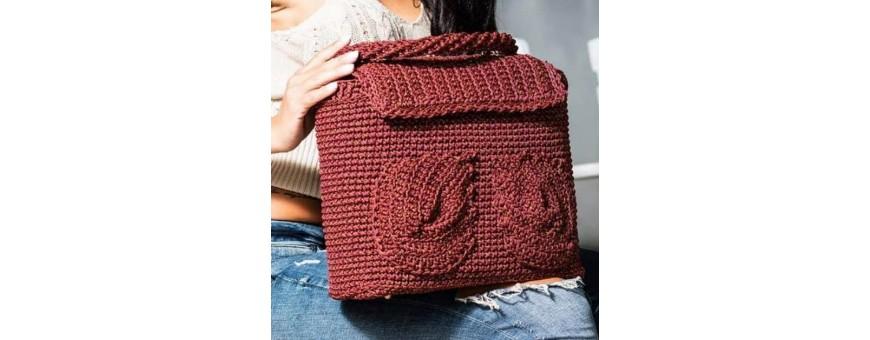 Cordoncino swan thai per realizzare borse   100% poliestere  da utilizzare con l'uncinetto del 3,5-4  in tantissime varianti di colore